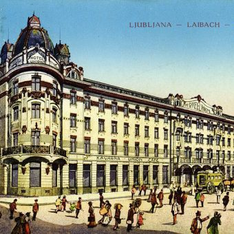 Hotel Union v Ljubljani na razglednici iz leta 1916.