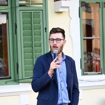 Gašper Bergant je na Ruski dači pokazal, zakaj spada med najboljše stand-up komike v Sloveniji.
