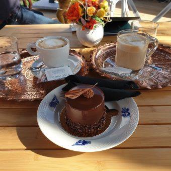 Popoln užitek za telo in dušo v kavarni Ruska dača.