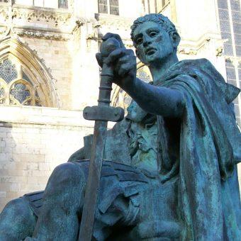 Kip cesarja Konstantina Velikega v Yorku.