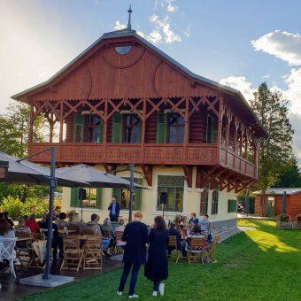 Pod milim nebom Ruske dače je Gašper Bergant povsem navdušil številne goste.