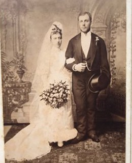 Poročna fotografija Franca in Marije Petrič.