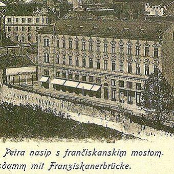 Kavarna Valvasor v Ljubljani in nasip Svetega Petra s Frančiškanskim mostom.