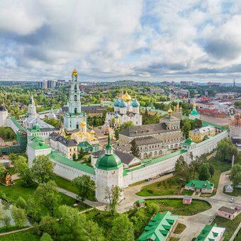 Sergijev Posad v bližini Moskve je bilo znano središče izdelovanja matrjošk