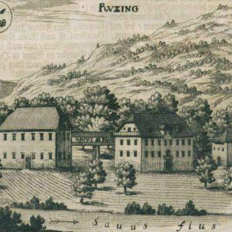 Dvorec Rocen, danes sedež uprave Policijske akademije, je upodobljen v Valvasorjevi Slavi vojvodine Kranjske, ki jo hrani knjižnica Ruske dače.