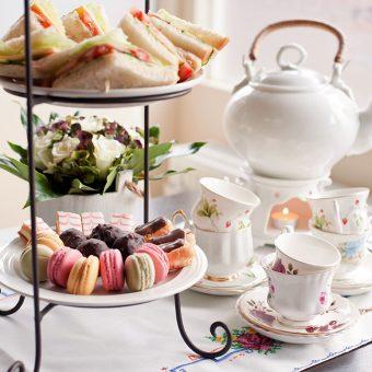 Britanci imajo kar sedem različnih priložnosti za pitje čaja.