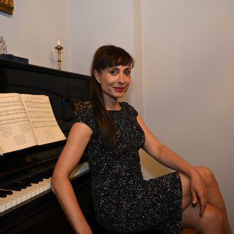 Navihana Tina Gorenjak je nasmejala publiko Ruske dače